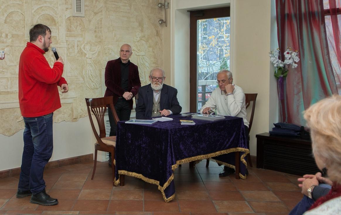 """Конкурс вiйськово-патріотичної літератури             """"WAR IN UKRAINE -2017""""    (17.11.2017)"""